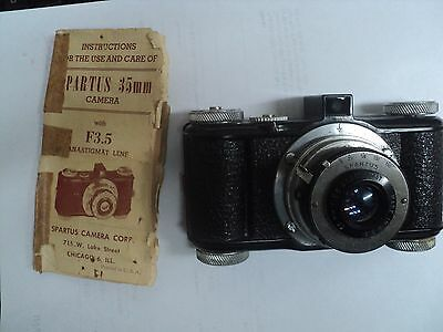 SPARTUS 35mm VINTAGE CAMERA, LATE 1930'S WITH LEATHER CASE