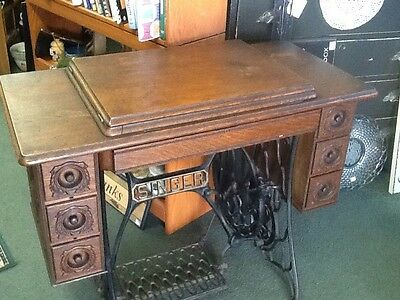 Antique Singer treadle sewing machine- 1910 Lovely Oak Cabinet N Central PA