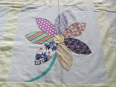 Vintage 1940's era bright appliqued Daisy cotton quilt top