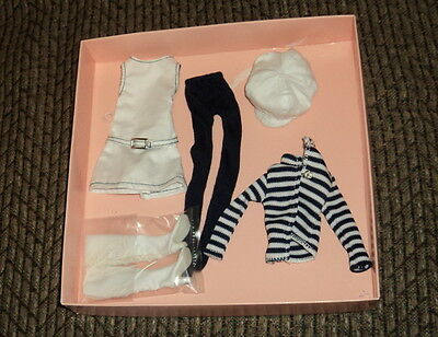 """10 """"  Tonner Kitty Collier Mod Togs Outfit Loose In Original Box ~~"""