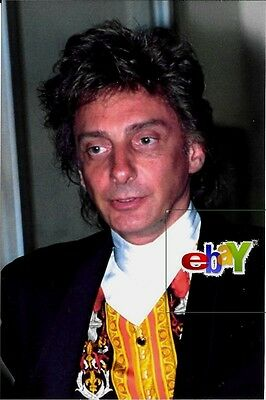 "BARRY MANILOW - 1992 - Original 8 x10"" photo"