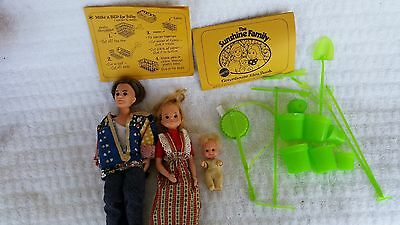 THE SUNSHINE FAMILY Mattel GREENHOUSE TOOLS BABY MOM DAD