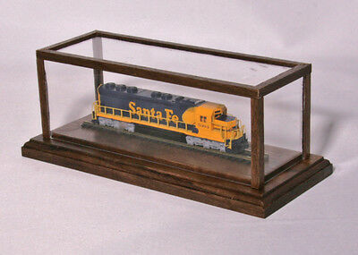"""N-Scale - Solid Native Walnut Covered Display Case w/6"""" Track"""