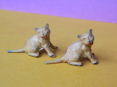 CHERILEA VINTAGE 1950s HOLLOW CAST LEAD ZOO SERIES LION CUBS x 2 LIKE BRITAINS