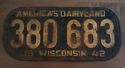 1942 Wisconsin License Plate