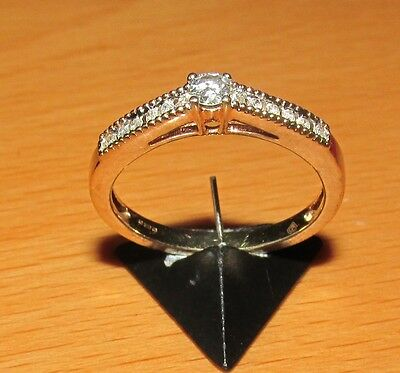 STUNNING  SECONDHAND 9ct YELLOW GOLD  DIAMOND RING SIZE N