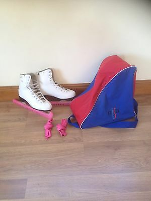 Girls/ladies Ice Skates Size 5 With Bag And Blade Guards