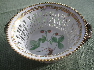 "Royal Copenhagen ""flora Danica"" Round Fruit Basket Early 20Th Century"