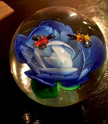 Glass Paperweight By Dynasty Gallery Heirloom Collectors Wildlife Bees & Flower