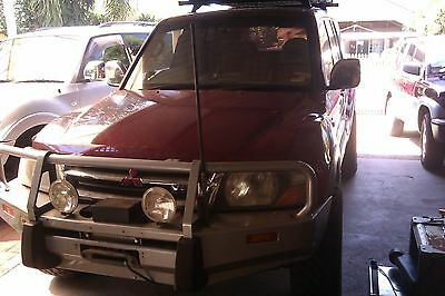 wrecking Mitsubishi pajero 2002 NM 3.5 L Exceed ,wheel nut