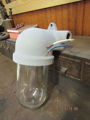 VINTAGE CROUSE HINDS INDUSTRIAL  LIGHT FIXTURE V200 WALL SCONCE STYLE lot 5