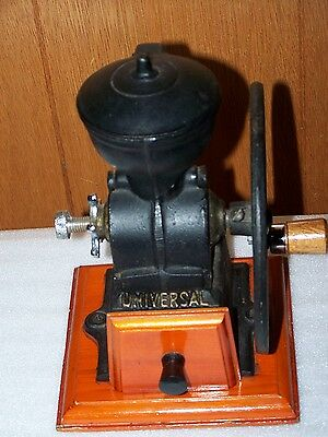 Universal Old Style Cast Iron Coffee Grinder Hand Crank Great Shape