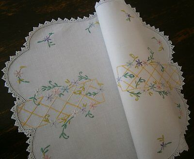 Vintage Country Home linen DOILY 54x32cm H Embroidered Flowers Crochet lace