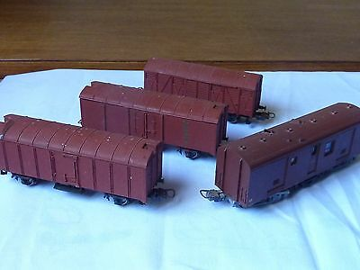Freight Wagons Lima HO Scale X 3 plus Guards Van X 1