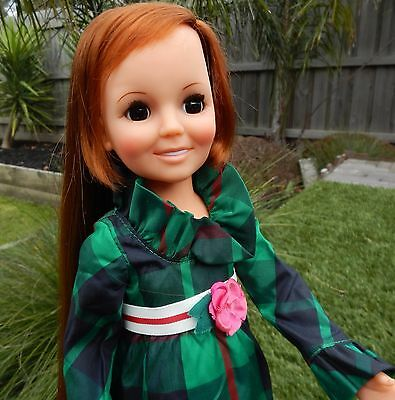 Vintage Ideal  LOOK AROUND CRISSY Doll wearing original outfit & shoes
