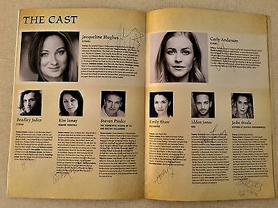 WICKED International Tour theatre programme SIGNED by most of the cast