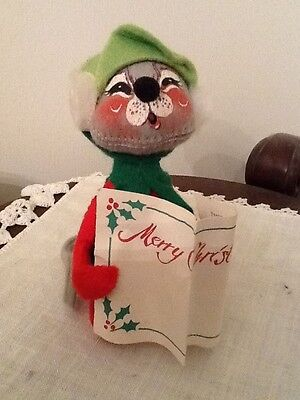 ANNALEE Mobilitee Singing Mouse Merry Christmas Carols Deck the Halls Decoration