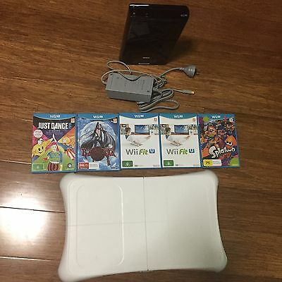 Nintendo Wii U 32G black console with games and board
