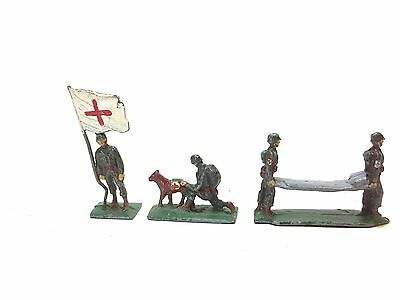 SAE 30 mm lead toy soldier figures American WWII medical set, flag, dog stretche