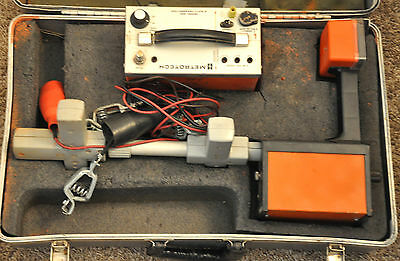 Metrotech Model 850  Cable Pipe Locator Receiver & Transmitter