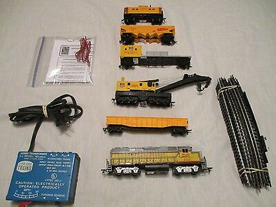 H.o.union Pacific Maintenance Train.set. Complete &  Ready To Run Set. Excellent