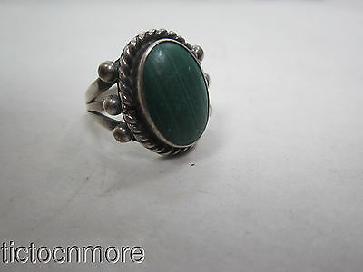 VINTAGE NAVAJO INDIAN SANCAST TWISTED ROPE BEZEL MALACHITE SILVER RING 5g