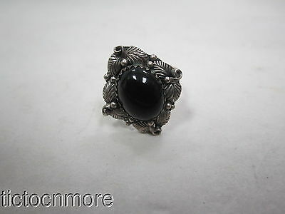 VINTAGE NAVAJO INDIAN SIGNED VY YAZZIE ONYX SQUASH BLOSSOM  SILVER RING 4gr