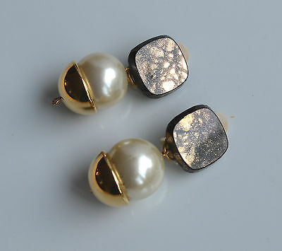 Vintage Statement Dangle Earrings Faux Pearl & Black & Gold Plastic Gold metal