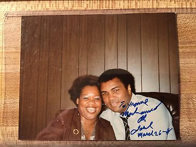 1981 Autographed Muhammad Ali Snap Shot The Greatest World Champion HOF Nice