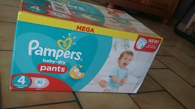82 Couches Pampers Pants  taille 4 ( 8 à 15 kg)