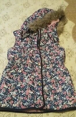 **Girls Flower Gillet*Perfect*Age 9-10 Year**