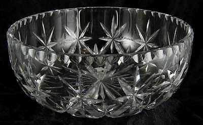 No makers mark pretty glass fruit bowl or trifle dish 8 inches across