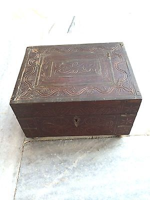 A very rare beautiful Big Size perfume box with 12 original glass bottles