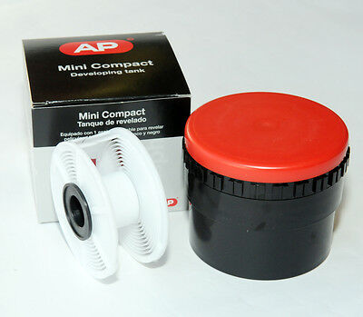 AP Mini Compact Developing Tank  c/w 1 135 Film Spiral APP321200