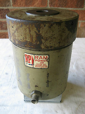 Set of 5 Hydraulic Ram-Power  Rams + Pipes and Fittings