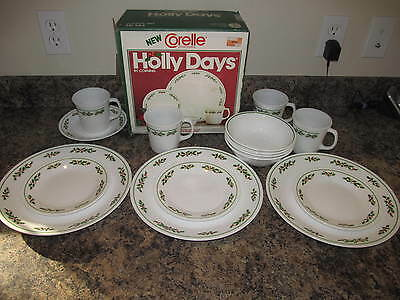 Vintage Corelle HOLLY DAYS 15 Pieces Christmas Dinnerware Set with Box 1985