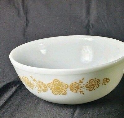 Pyrex 404 4 Qt Gold White Butterfly Mixing Bowl