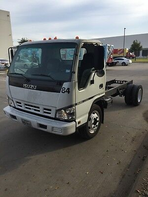 Isuzu NQR Box Truck (14 ft) - Chassis only