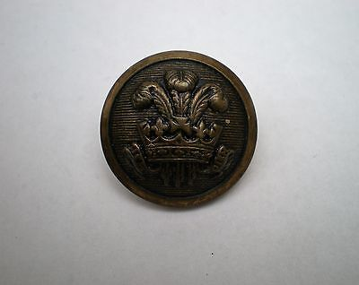 Vintage Feathers In Crown Livery Button 18mm