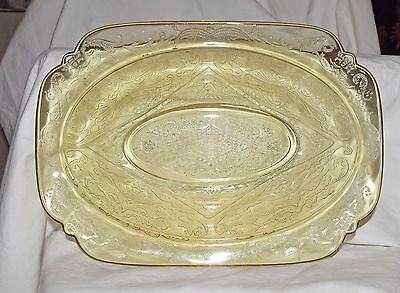 11.5 oval platter in traditional Madrid pattern from Federal Glass Co., original