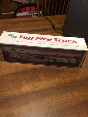 1989 Hess Toy Fire Truck with Dual Sound Siren. NEW IN BOX