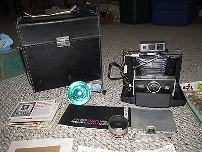 Vintage POLAROID Automatic 250 Land Camera w/ Zeiss Ikon Lens, Case, Wide Angle