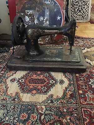 Vintage Early 1900s Singer Sewing Machine On Wood Base