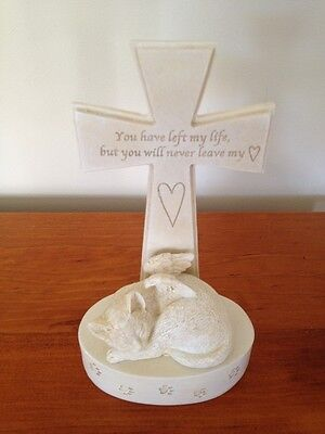Pet Cat Memorial with Angel's Wings and Cross - Never leave my heart - New