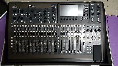 Audio - Behringer X32 40-Input 25-Bus Digital Mixing Console with Road-case