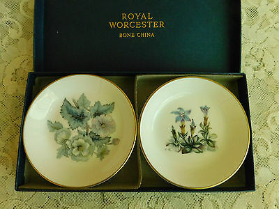 Boxed Pair Of Royal Worcester Pin Dishes