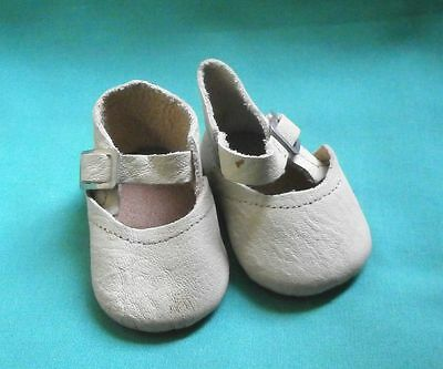 pair of doll shoes cream white / real leather/Germany
