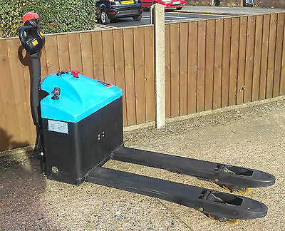 NEW Fully Electric Powered Pallet Truck 1500KG lifting capacity