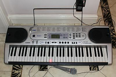 Casio LK45 Keyboard, Ideal for a beginner with microphone. Used