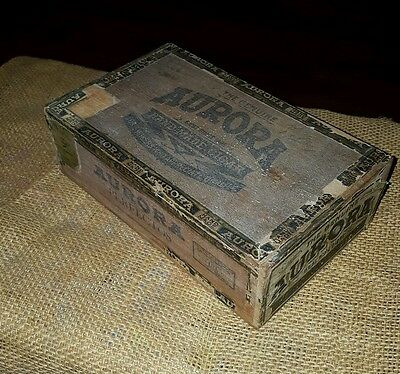 Vintage Kentucky Cigar Box - Aurora Hamdmade John Guy Lexington